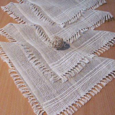 prostírky režné se vzorem na krajích 40x40cm